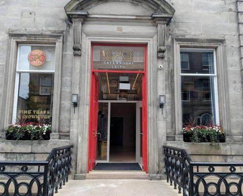 GPO Lieth red door