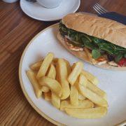 Sandwich with chunky chips
